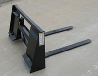 Model WOSSPF-242 integrated frame pallet fork for compact tractors with skid steer quick attach buckets.